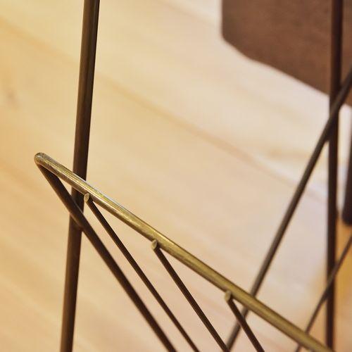 サイドテーブル スチールフレーム 天板木(アカシア) V字型マガジンラック付き W395×D210×H450(mm)商品画像4