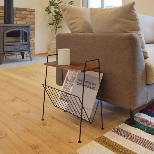 サイドテーブル スチールフレーム 天板木(アカシア) V字型マガジンラック付き W395×D210×H450(mm)商品画像9