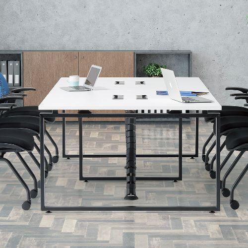 会議用テーブル LPTB-2412 W2400×D1200×H720(mm) ブラックカラー粉体塗装スクエア脚テーブル コードホール付き商品画像8