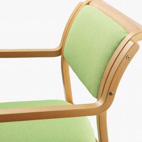 介護椅子 角背 木製チェア 持ち手付き 前脚キャスター付き MW-312 肘あり商品画像5