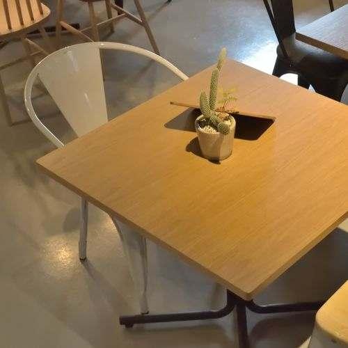 スタッキングチェア AZUMAYA(東谷) アラン PC-136WH ホールド型バックレストフレーム ホワイトフレーム×ナチュラル座面 天然木商品画像5