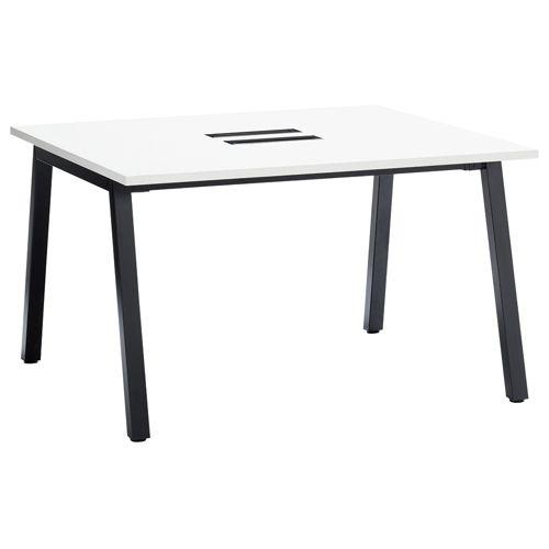 会議用テーブル SLTB-1212 W1200×D1200×H720(mm) ブラックカラー粉体塗装4本脚テーブル コードホール付き商品画像2