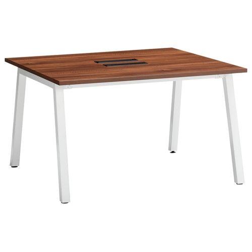 会議用テーブル SLTW-1212 W1200×D1200×H720(mm) ホワイトカラー粉体塗装4本脚テーブル コードホール付き商品画像3