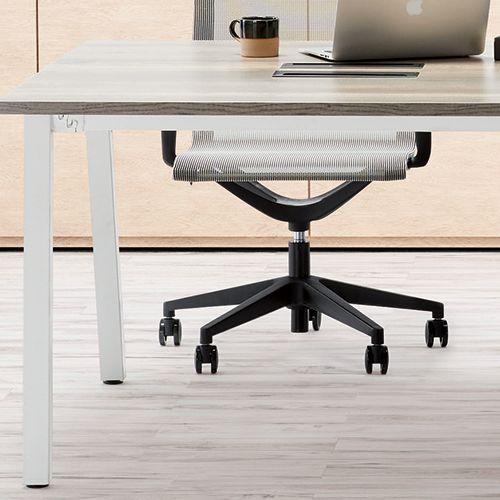 会議用テーブル SLTW-1212 W1200×D1200×H720(mm) ホワイトカラー粉体塗装4本脚テーブル コードホール付き商品画像9