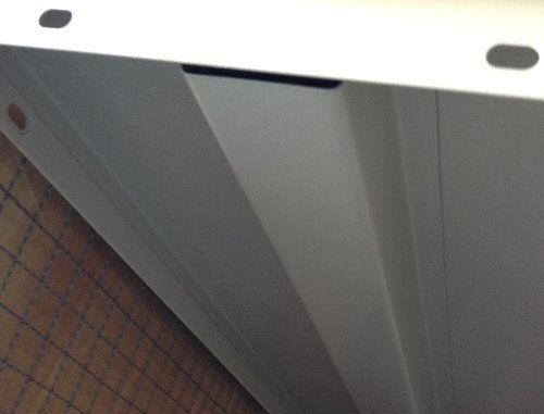 スチール棚板の補強写真
