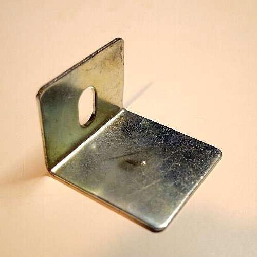 片孔のパネル棚用ベースプレートの画像